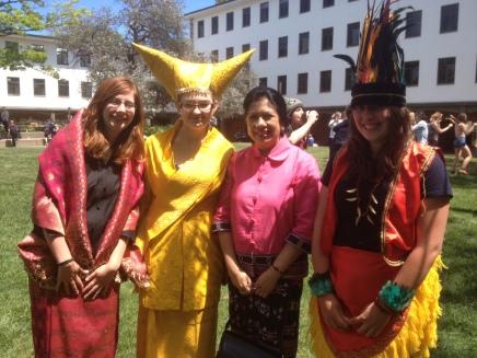 Australians wearing Indonesian traditional dresses